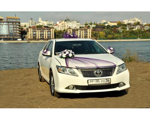 """Свадебное украшение на машину в бело-фиолетовом цвете """"Туман"""""""